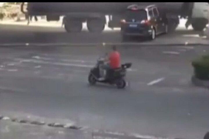 زنده ماندن معجزهآسای سرنشینان خودرویی که در تصادف له شد / فیلم