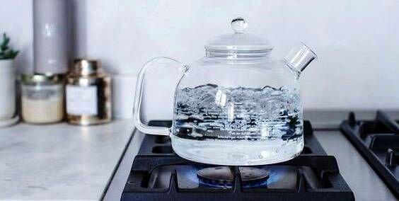 چرا نباید آب چای را دوبار بجوشانیم؟