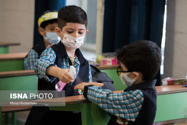 توضیحات مهم وزارت بهداشت درباره واکسیناسیون معلمان و بازگشایی مدارس