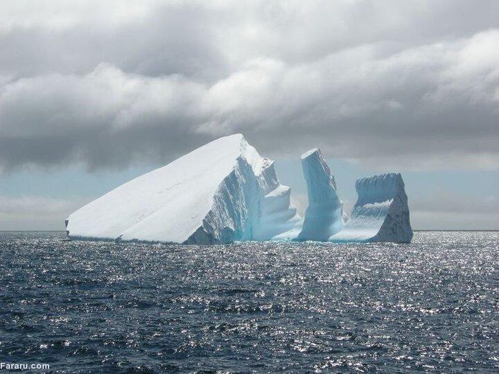 جدا شدن بزرگترین کوه یخی جهان از قطب جنوب / فیلم