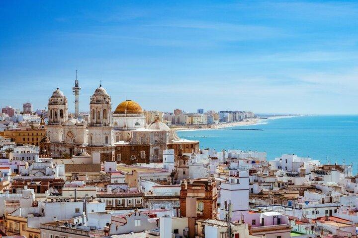بازگشایی مرزهای اسپانیا به روی گردشگران واکسینهشده
