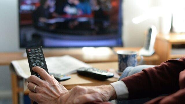 عوارض خطرناک تماشای بیش از حد تلویزیون