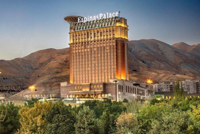 انتخاب بهترین هتل در سفرهای کاری به تهران