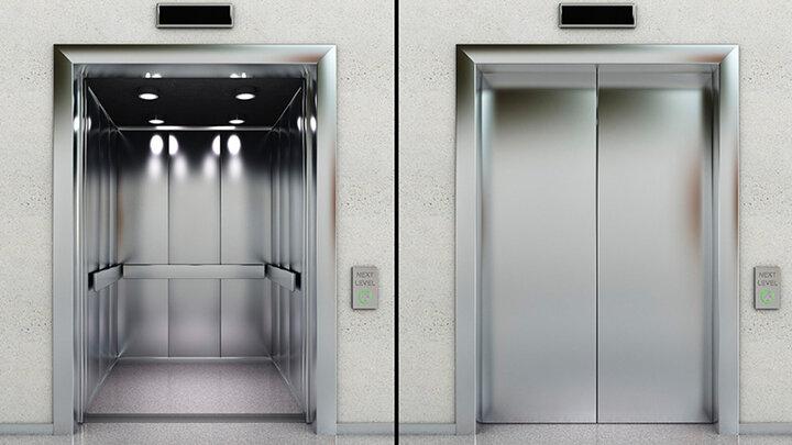 روزهای سخت آتشنشانی؛ ۱۰۰ اصفهانی در آسانسور محبوس شدند