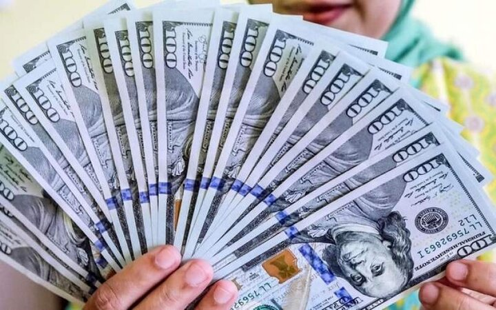 افزایش قیمت دلار در بازار آغاز شد / قیمت دلار و یورو ۳ خرداد ۱۴۰۰