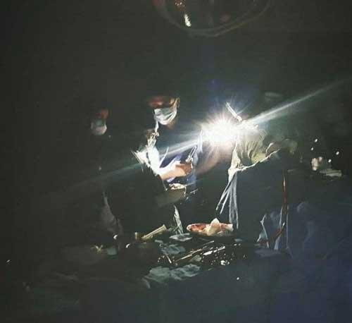وضعیت اتاق عمل یک بیمارستان در پی قطعی برق