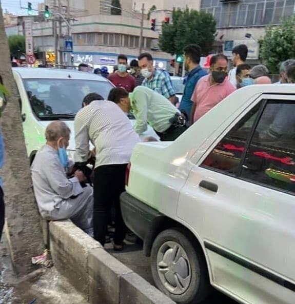 حمله به مرد روحانی در تهران با تیغ موکت بری + عکس