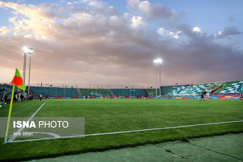 گزارش تصویری دیدار ذوب آهن و پرسپولیس در لیگ برتر