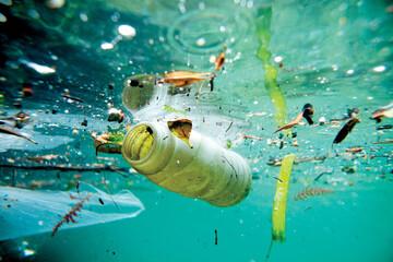 تولید لباس از زبالههای اقیانوس / فیلم