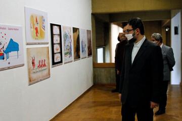 معاون هنری وزیر ارشاد از سه نمایشگاه تجسمی دیدن کرد