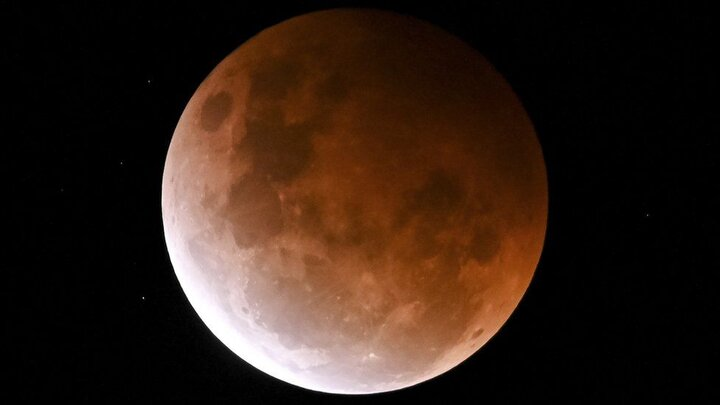 پدیده شگفتانگیز «ماه خونی» را ببینید/ تصاویر