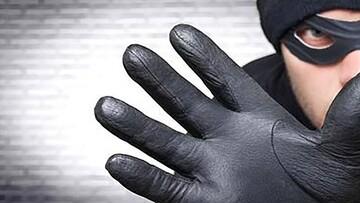 کتک خوردن یک سارق حین سرقت تلفن همراه / فیلم