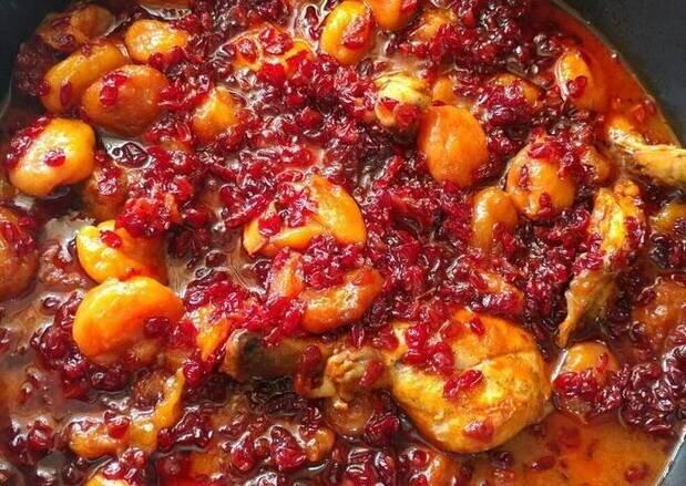 دستور پخت خورشت زرشک آلو، غذای سنتی مازندران