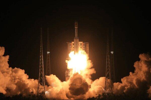 چین یک فضاپیمای باری به فضا ارسال کرد