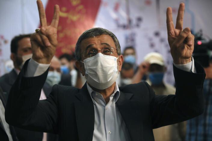 واکنش وزارت اطلاعات به اظهارات اخیر احمدی نژاد