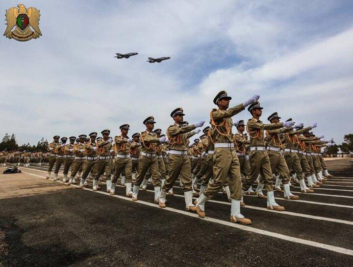 صحنه دلخراش سقوط جنگنده ارتش لیبی در حین رژه ارتش / فیلم