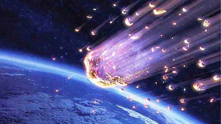 برخورد یک سنگ به ایستگاه فضایی بین المللی / فیلم