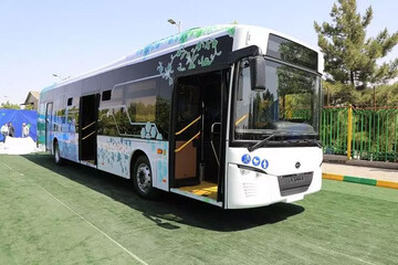 رونمایی از نخستین اتوبوس برقی ساخت ایران / فیلم