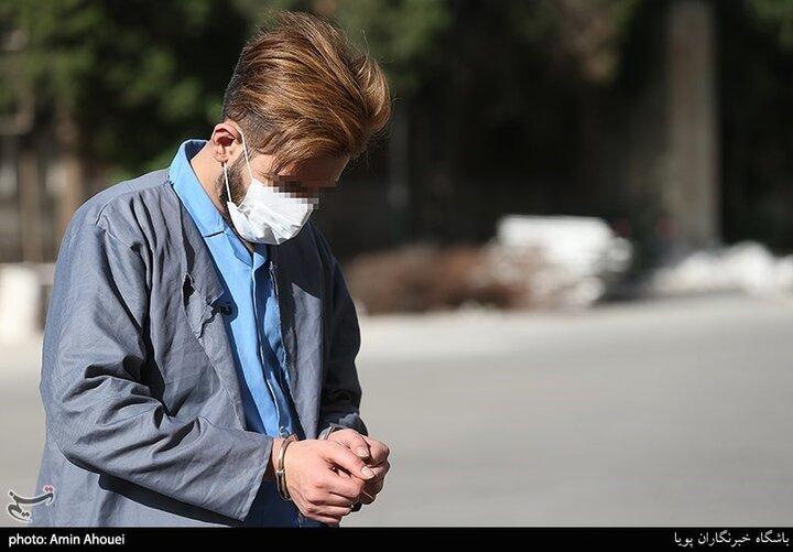 جوان شرور ۲۰ساله تهرانی پس از دعوا با نامزدش ده ماشین را تخریب کرد / فیلم و تصاویر