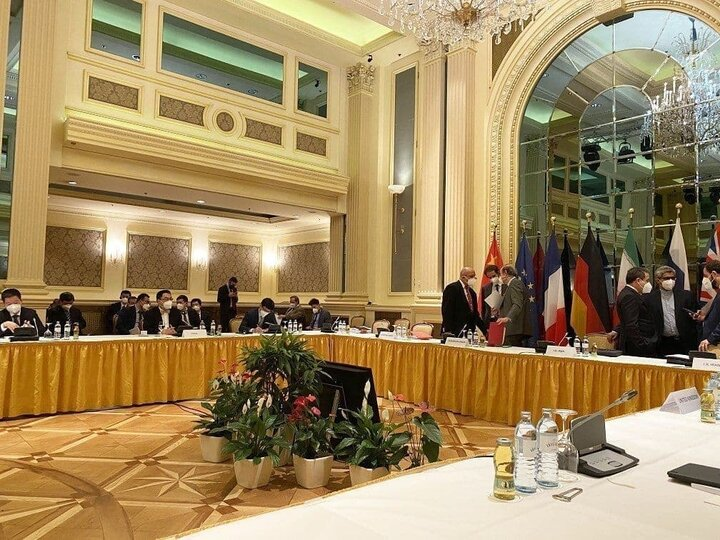 پایان نشست کمیسیون مشترک برجام / روسای هیات ها برای مشورت به کشورهای خود باز می گردند