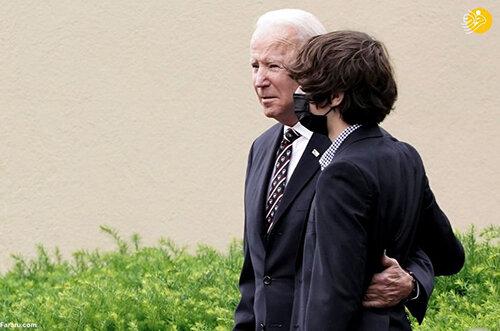 اندوه جو بایدن در مراسم سالگرد مرگ پسرش