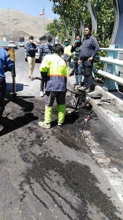 تصاویر   آتش گرفتن بنز روی پل ارتشتهران
