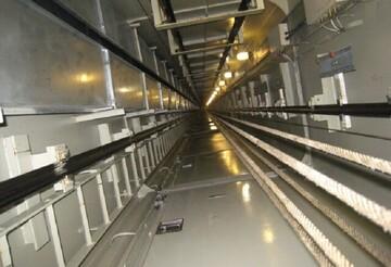 با قطع برق، کابین آسانسور سقوط میکند؟