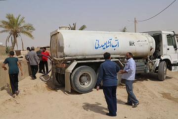 عجیبترین روستای ایران که چاه نفت دارد، اما آب ندارد / فیلم