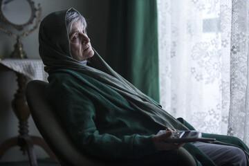 اکران فیلم سینمایی «آبجی» با بازی گلاب آدینه در گروه هنر و تجربه