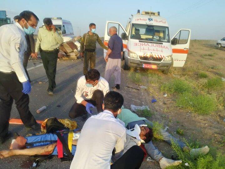 تصادف هولناک پراید با کامیون در نیشابور / آمار کشتهگان اعلام شد