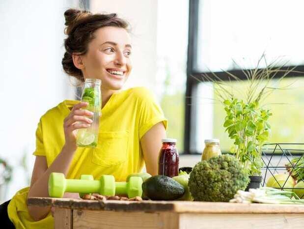 کاهش وزن و سمزدایی بدن با نوشیدنیهای مفید برای روزهای گرم تابستان