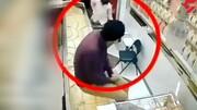 طلافروش با تیراندازی دزدان مسلح را فراری داد / فیلم