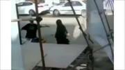 فیلمی از لحظه سقوط داربست ستاد تبلیغاتی روی سر مردم در آبادان