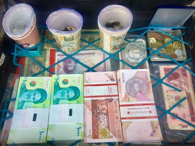 میزان اسکناس و سکههای در اختیار مردم اعلام شد