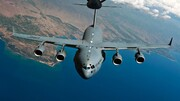 تصاویری از لحظه فرود اضطراری هواپیما روی ماسههای کویر / فیلم