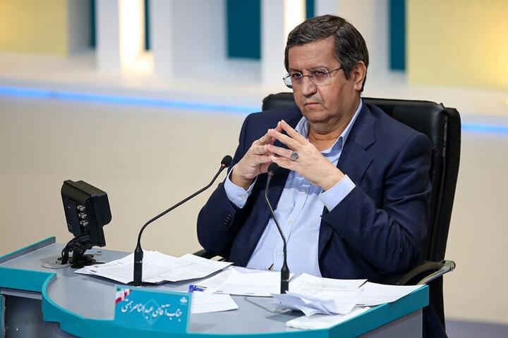 همتی: یک جریانی می خواهد ما بدون ارتباط با دنیا زندگی کنیم / یک کشتی با پرچم ایران نمی تونیم به دریا بفرستیم