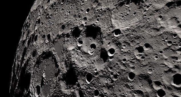 ناسا به نیمه پنهان ماه سفر میکند