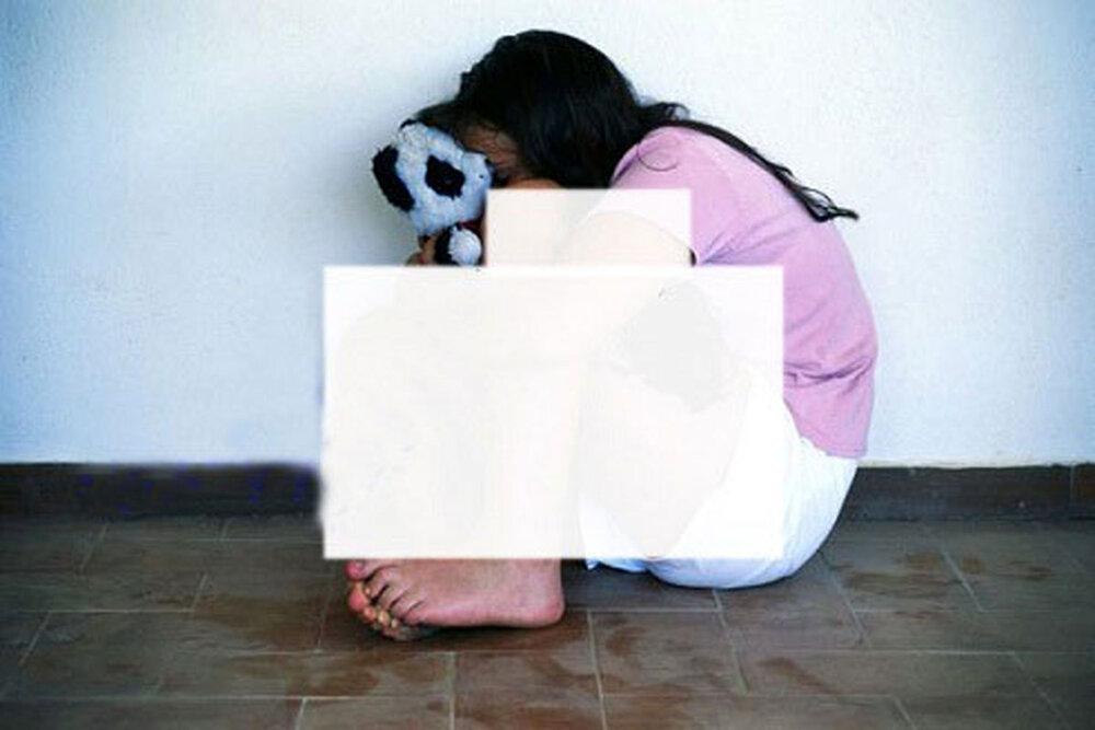 تجاوز هولناک پدر بیرحم به دختر بیگناهش ؛ پس از تجاوز سر دختر را برید / عکس