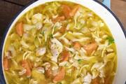 مراحل تهیه سوپ ماکارونی و مرغ خوشمزه و مقوی