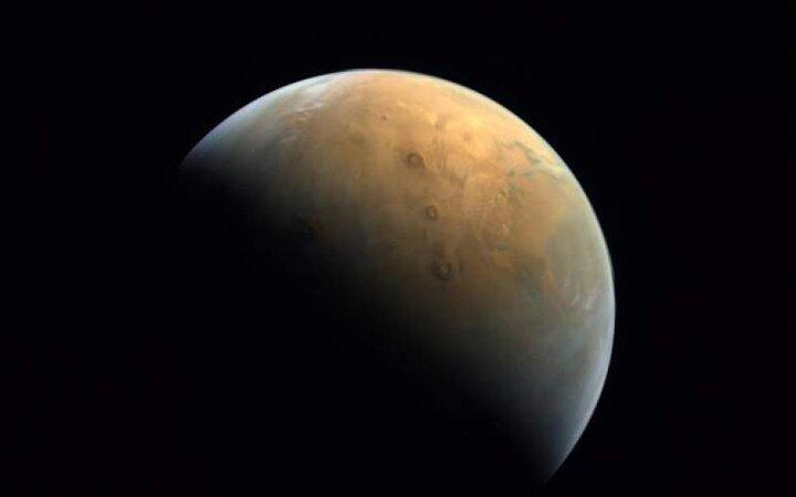 چین خاک مریخ را به زمین میآورد