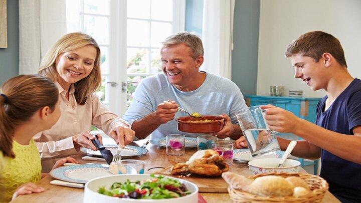 ساعات مناسب و ممنوعه برای مصرف شام چه زمانی است؟