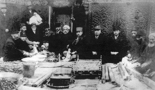 عکسهای قاجاری حرم مطهر رضوی در موزه ملک به نمایش درمیآید