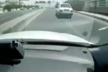 تعقیب و گریز نفسگیر پلیس با یک پراید در تهران / فیلم