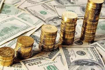 اتفاقات عجیب اقتصاد ایران در یک دهه گذشته / دلار ۷۷۷ درصد و سکه ۹۵۳ درصد گران شد