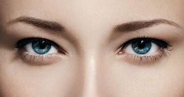 رفع و درمان سیاهی دور چشم و چین و چروک آن با لوسیون زالو