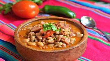 دستور پخت خوراک گوشت و سس لوبیا