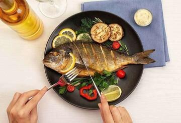 این دسته افراد نباید هرگز ماهی بخورند!