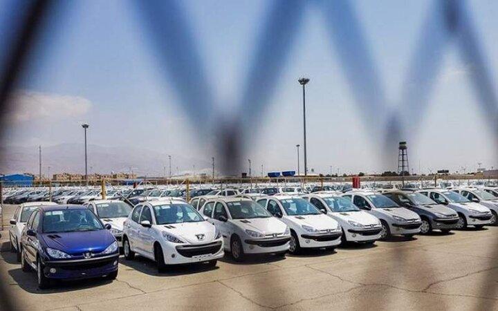 کاهش ۹۲ درصدی تولید محصولات پرتیراژ خودروسازان / زنگ هشدار گرانی خودرو به صدا درآمد
