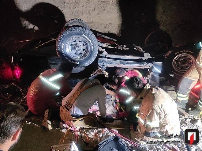 سقوط مرگبار پاترول به دره/ عکس