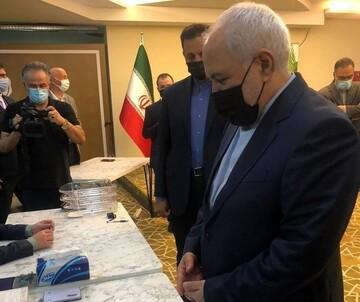ظریف در آنتالیا رای داد / عکس